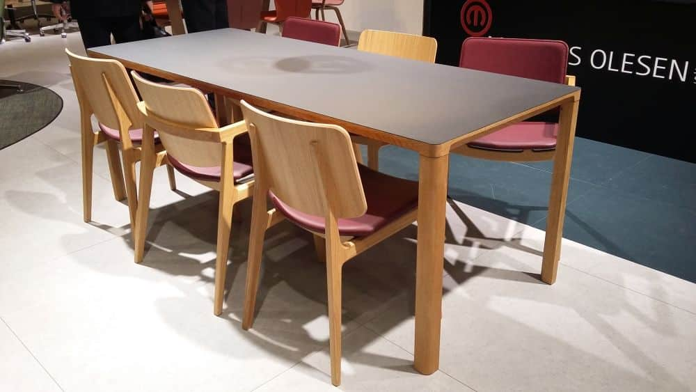 Slender table and Freya chair