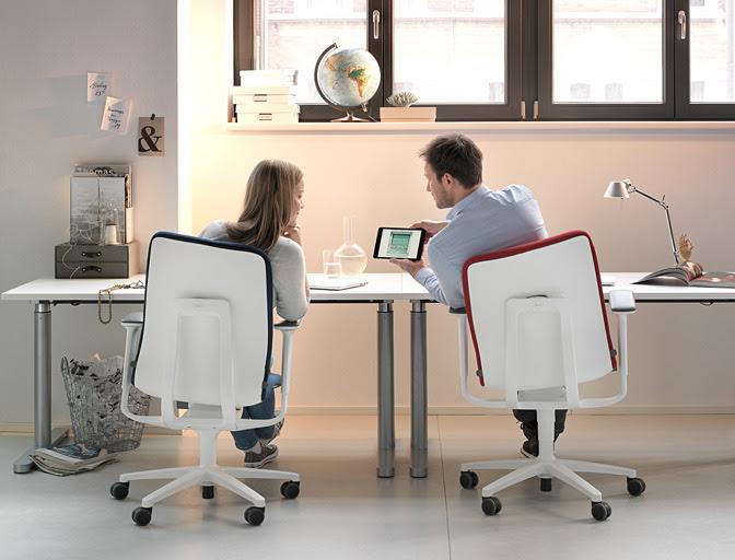 Nieuwe Bureau Stoel.Wilkhahn Met Nieuwe At Bureaustoel Op Design District